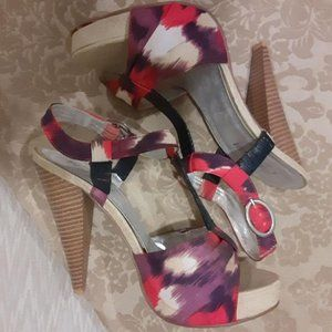 """3/$35 GORGEOUS paint splatter 5"""" sandals by ABS"""
